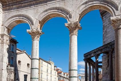 Keystone Roman Arch